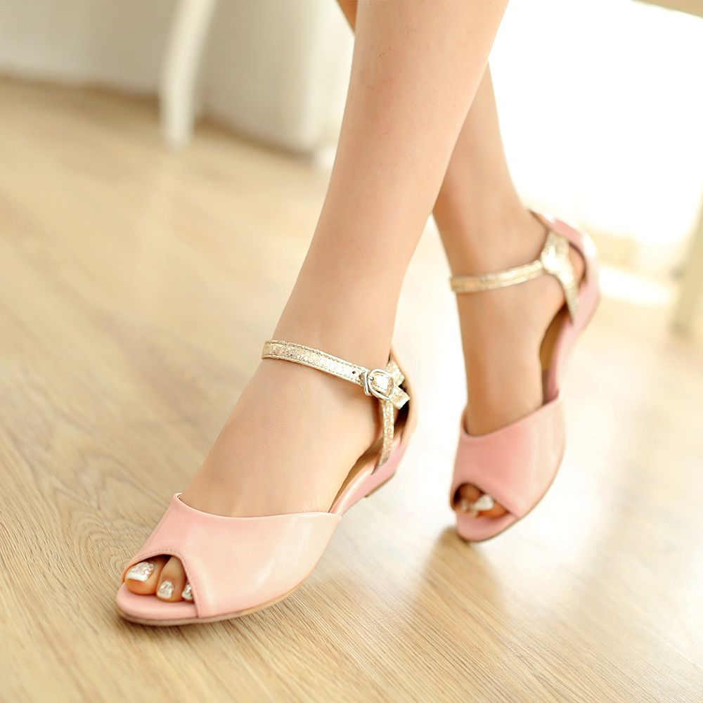 Women Fashion Closed Toe Ankle Strap Sandals Low Heels
