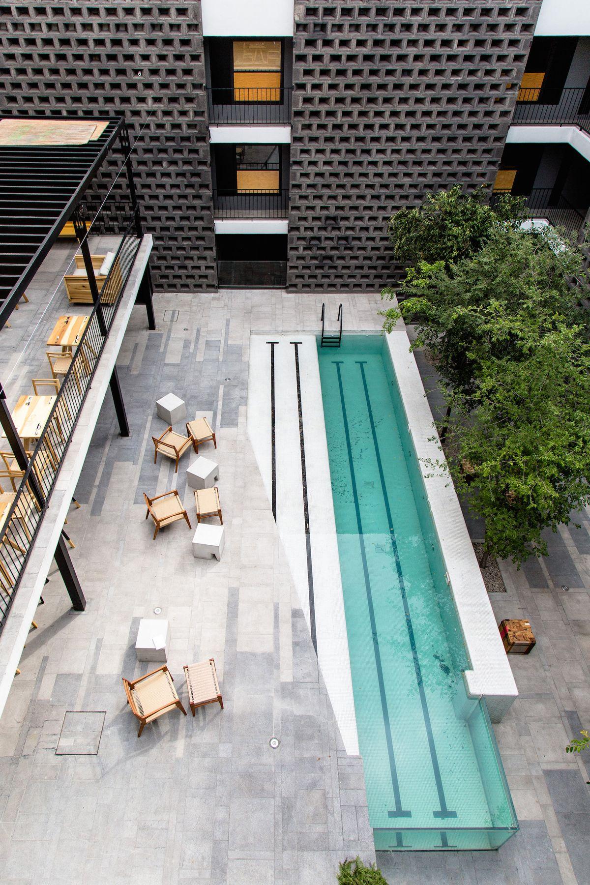 Hotel carlota reforma casa lazer e terra os for Piscina y candidiasis