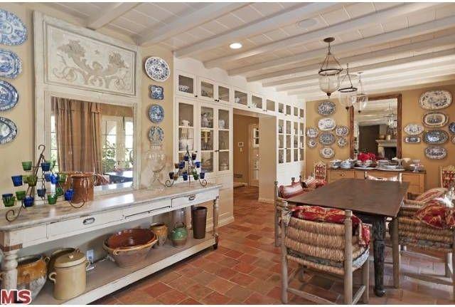 Best European Glamour In Brentwood Luxury Homes Kitchen 400 x 300