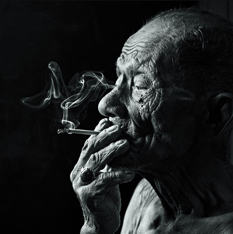 Smoker serie of portraits by Malaisian photographer Yaman Ibrahim