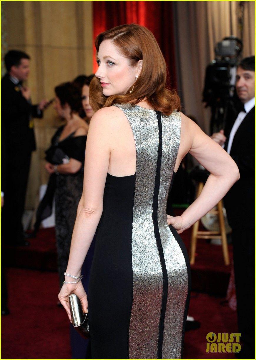 Shailene Woodley - Oscars 2012 Red Carpet