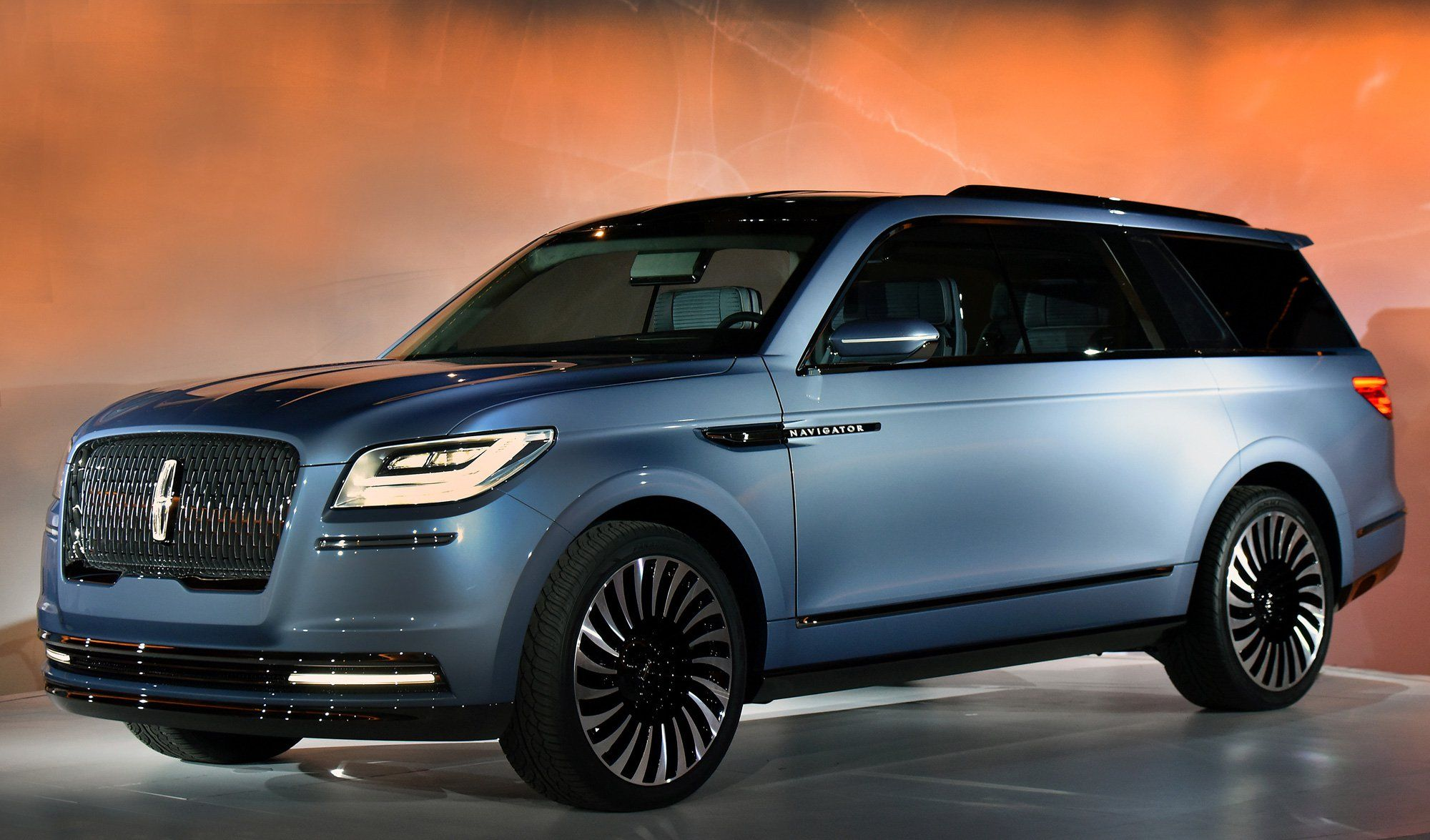 2018 Lincoln Navigator Concept Is An Outrageous Suv With Sports Car