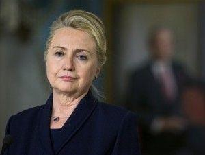 Doctora dice que Hillary Clinton tiene neumonía y debe descansar