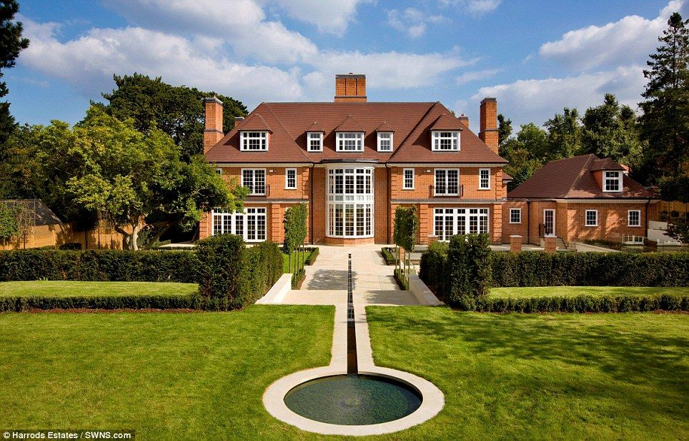 Astonishing 40m eight bedroom mansion complete with hi for Billionaire homes for sale