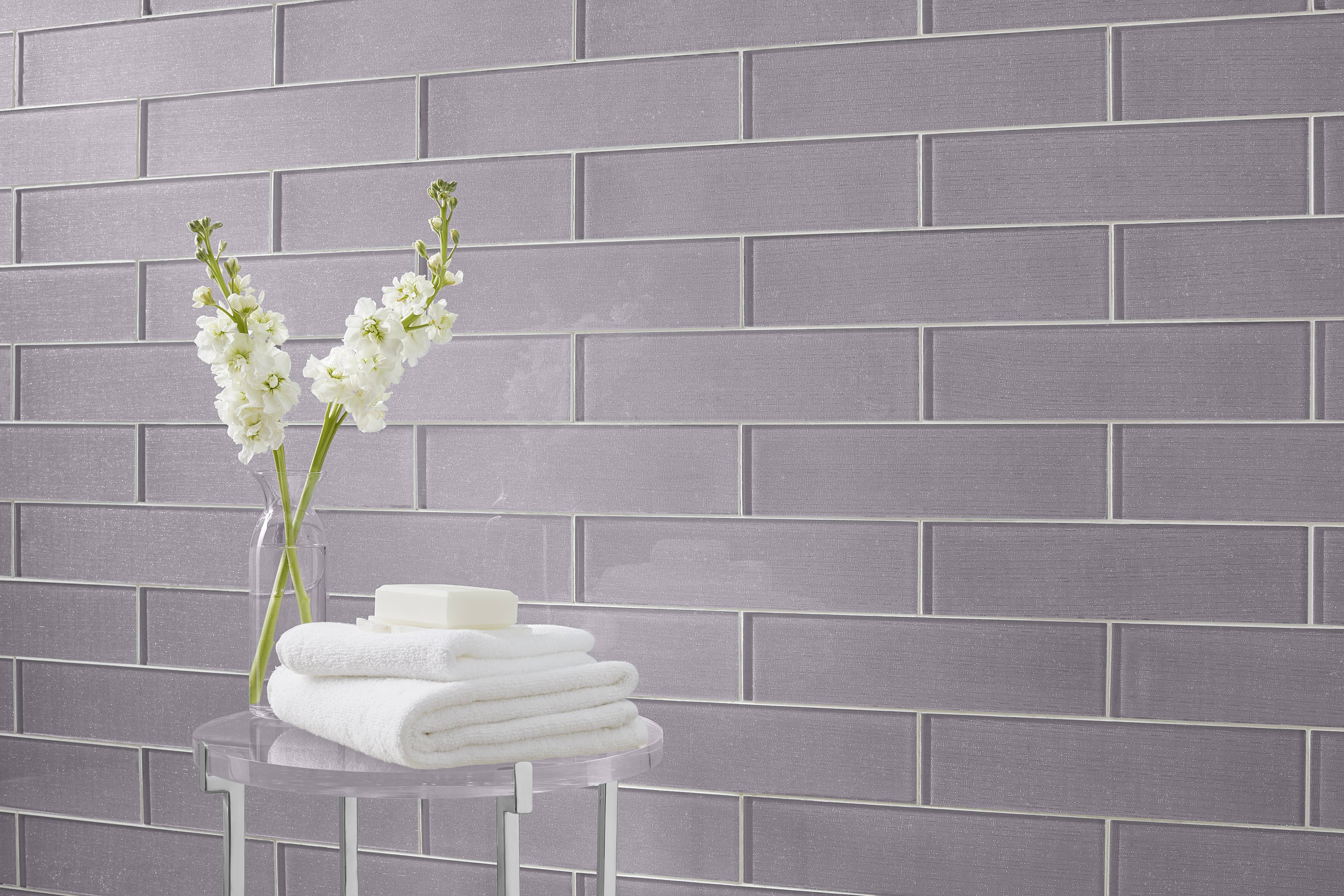 Annie Selke Glam Glass Grey Is A Stunning Wall Tile Collection With An Interesting Backstory For That Extra Touch Of Luxury A Glass Wall Wall Tiles Grey Glass