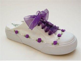 DIY... Cute tennis shoes... :)