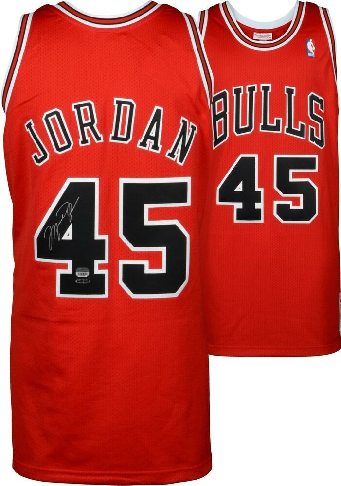 online store e5877 68e54 Michael Jordan Chicago Bulls Signed Red Mitchell & Ness #45 ...
