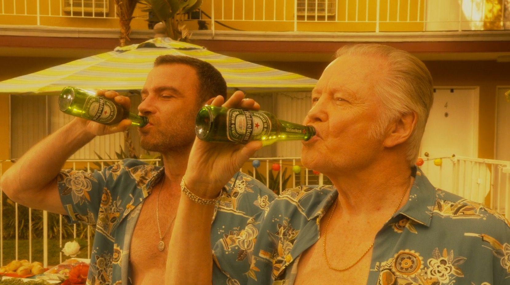 Heineken beers drunk by Liev Schreiber and Jon Voight in ...