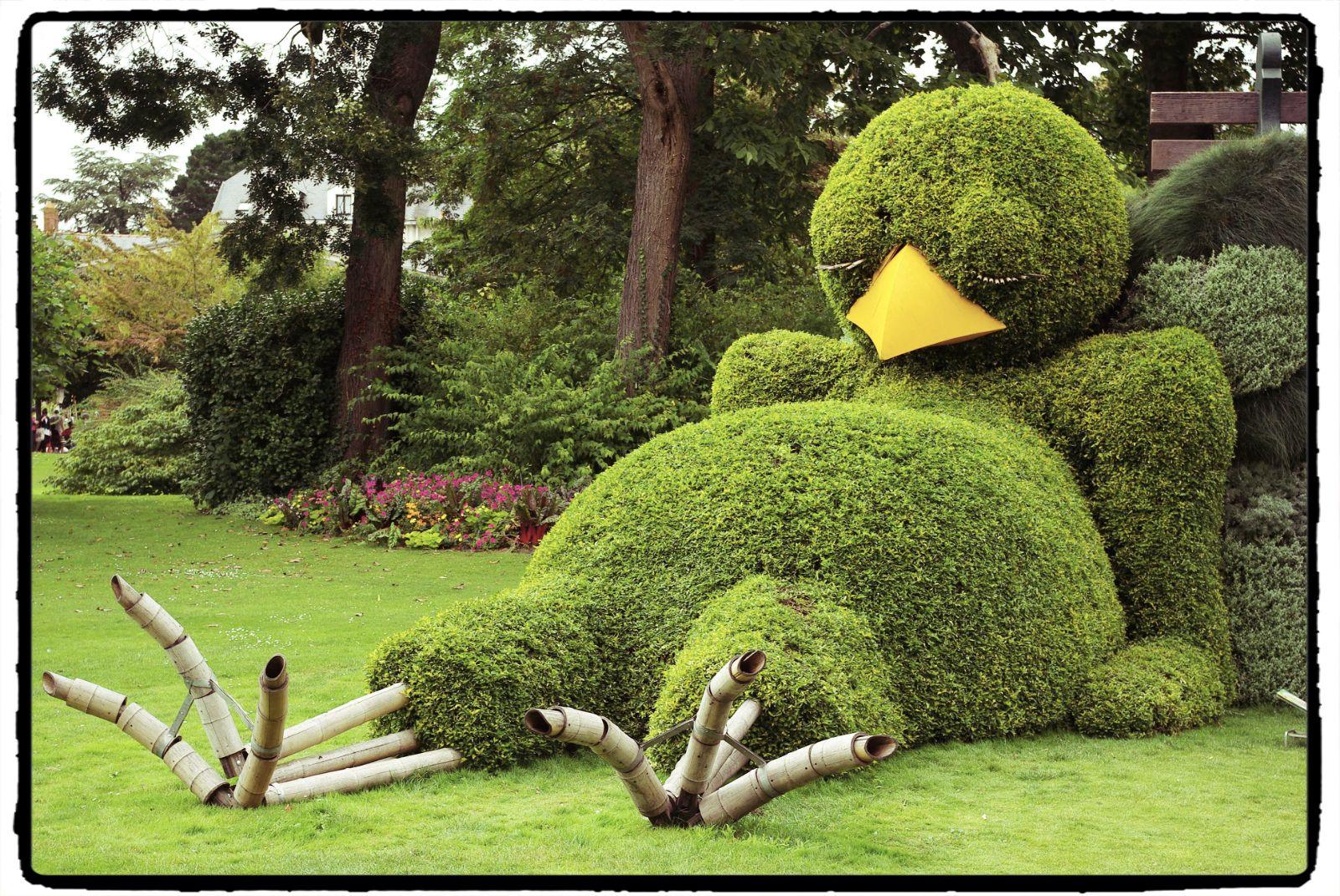 Le poussin 2014 de Claude Ponti... Jardin des plantes (Nantes ...
