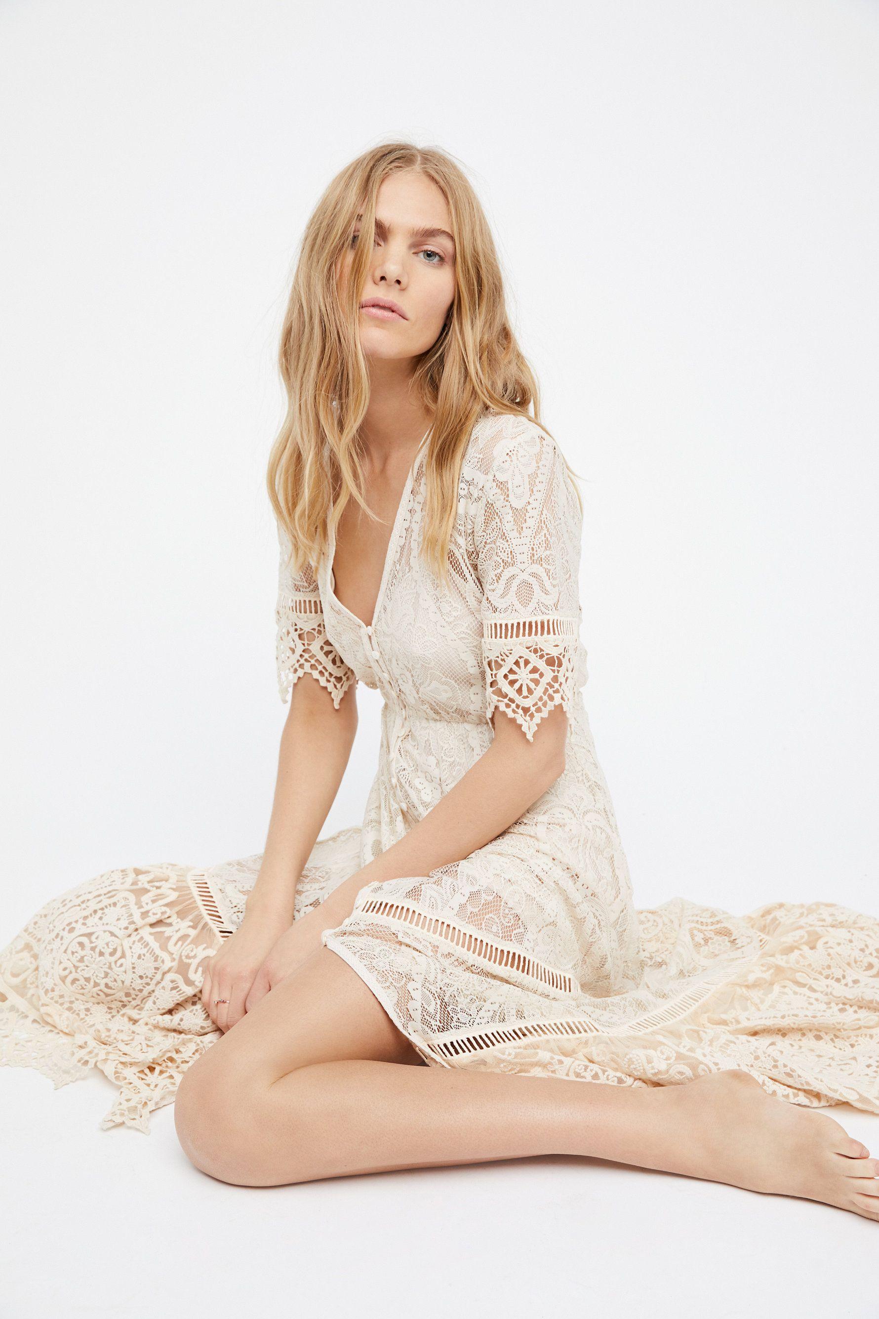 Rhiannon Gown Lace Maxi Dress Dresses Gowns [ 2670 x 1780 Pixel ]