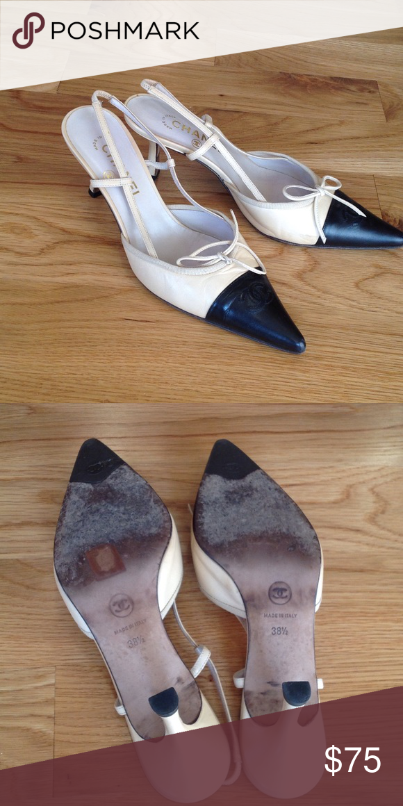 Chanel pointy toe shoes. Size 38.5 Gently used, in great condition. Classic Chanel two-tone leather CHANEL Shoes