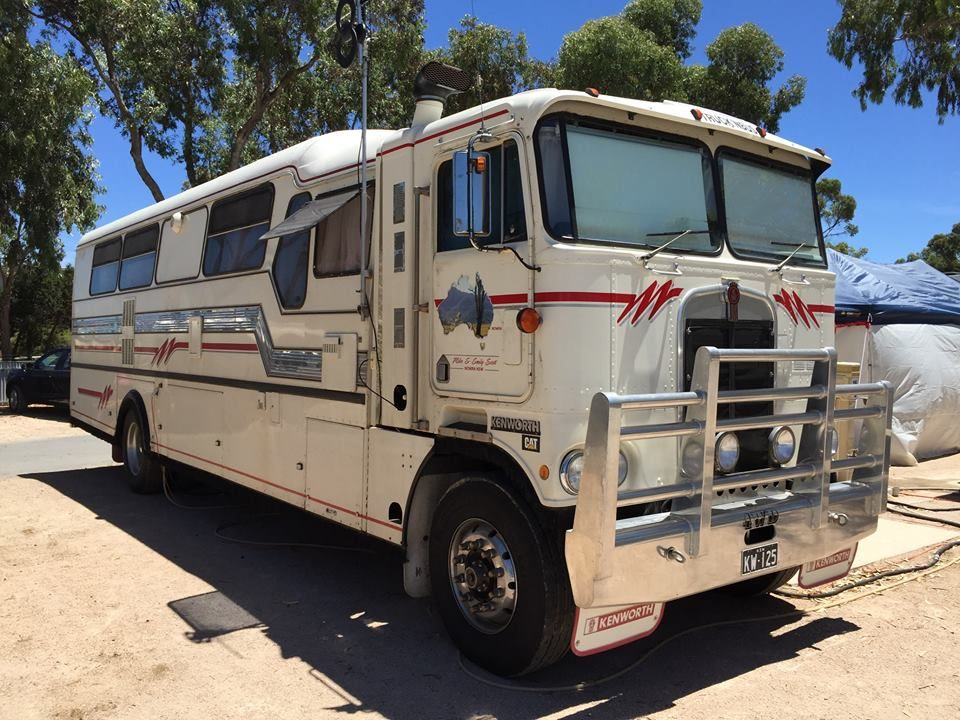 Kenworth bus conversion   Mobile way of living   Pinterest   Campera ...