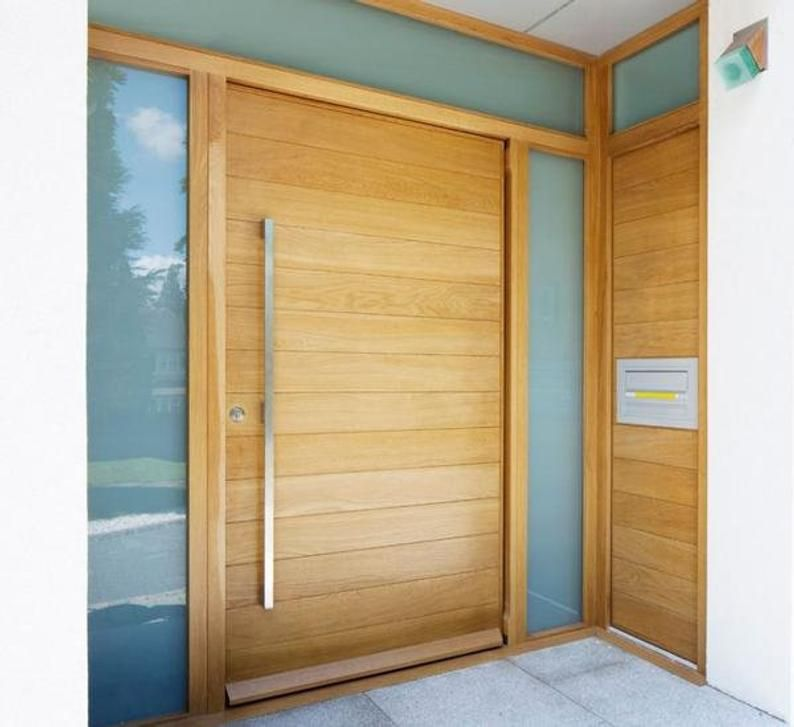 Oasis Modern Solid Mahogany Wood Horizontal Planks Entry Door Etsy In 2020 Contemporary Front Doors Modern Front Door Wood Doors Interior