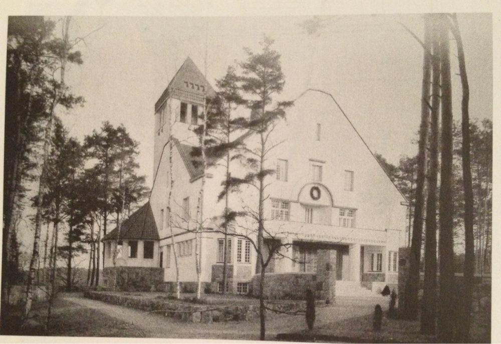 Chapter 27 - Scandinavian Modern - Architecture - Molchow House, Finland; 1908; Eliel Saarinen, Herman Gesellius, Armas Lindgren