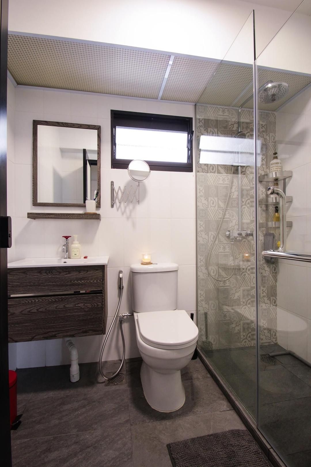 Check Out This Contemporary Style Hdb Bathroom And Other Similar Styles On Qanvast Singapore Bathroom Design Modern Bathroom Bathroom Design