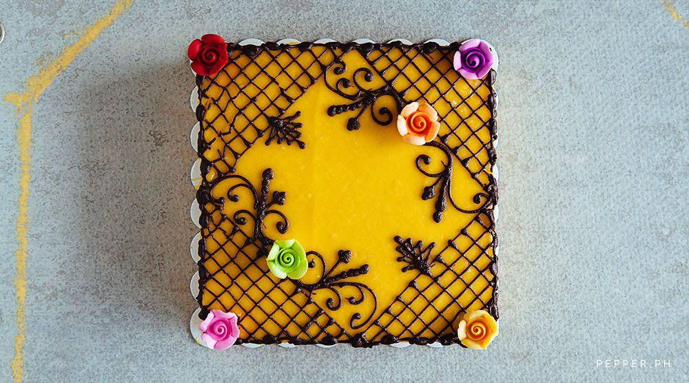 Yema Cake Decor : Yema Cake from Bilibid Bakery Delicioso Pinterest ...