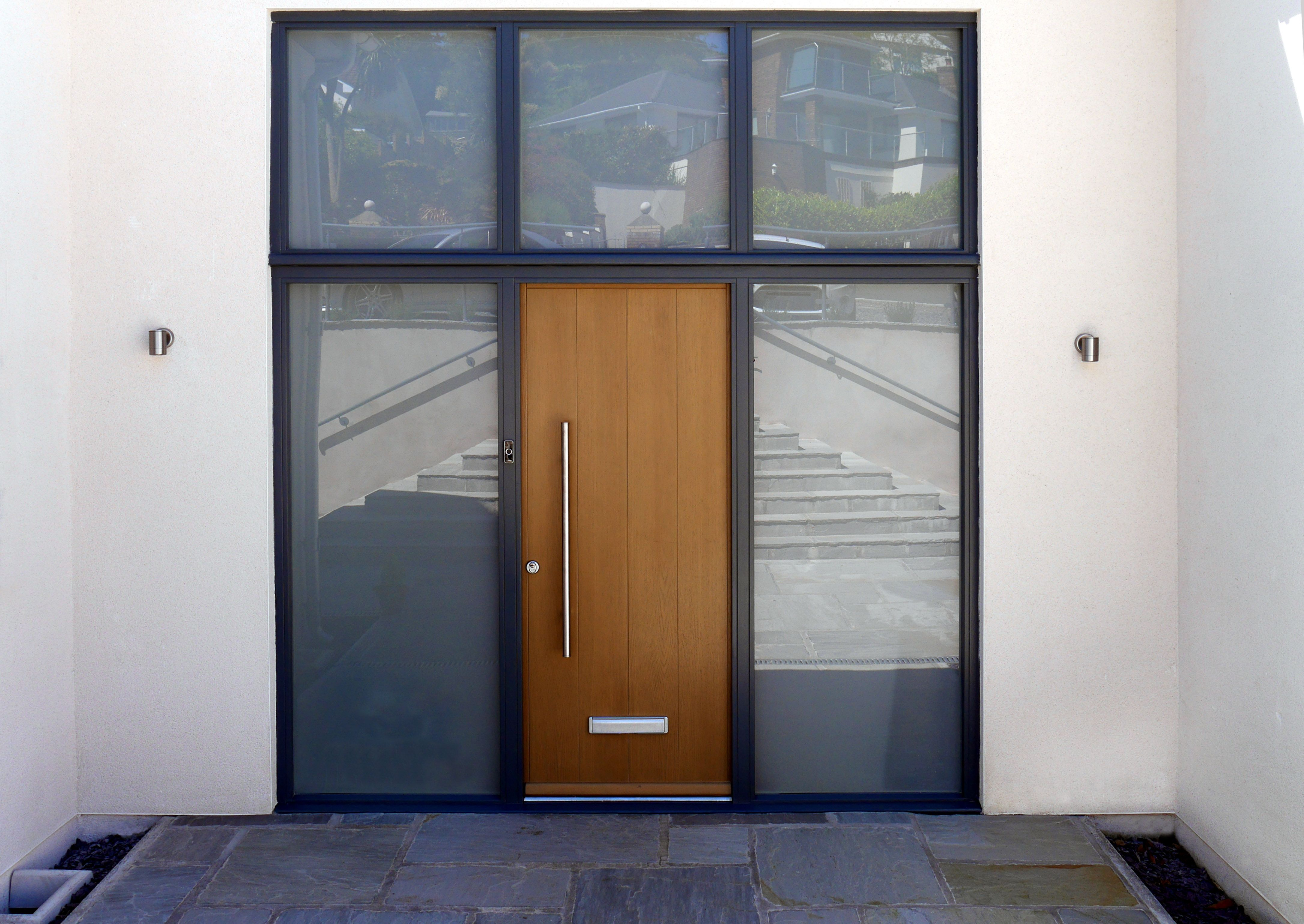 Modern front doors for homes - Kloeber Timber Funkyfront Bremen 1 Frame 9 32mm Bar Handle Frame Finished Green Grey Front Doorsmodern Front Doorcontemporary