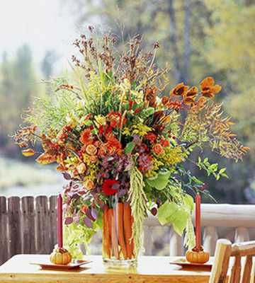 Fall Flower Arrangements Centerpieces 15 Cute Autumn Flower Arrangements To Cheer Up Fall Decorating I Fall Flower Arrangements Fall Flowers Fall Centerpiece