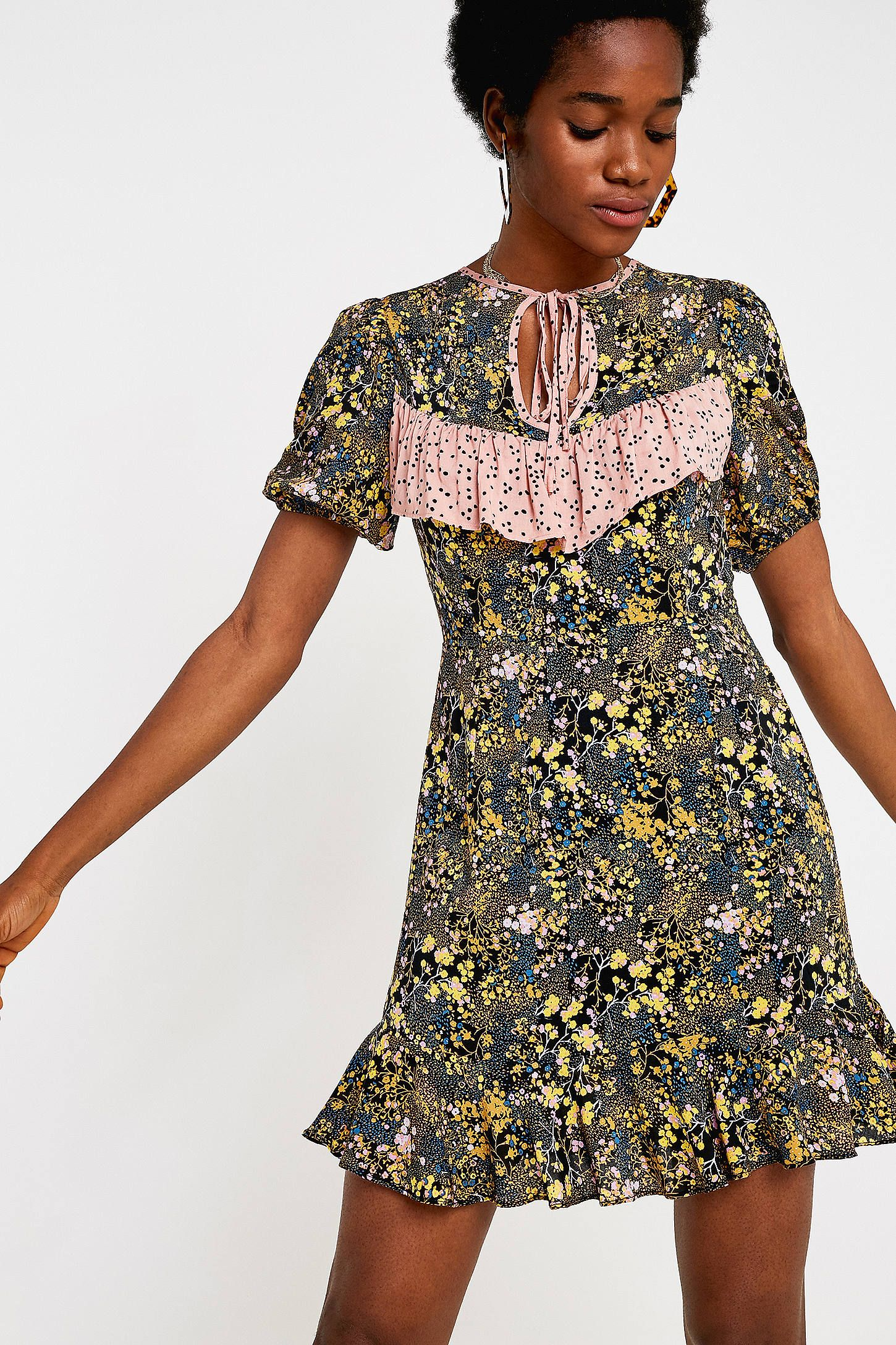 78e9b35c7702b UO Sinclair Floral Puff Sleeve Mini Dress in 2019 | Dresses | Mini ...