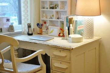 Great example of a  lightly distressed desk