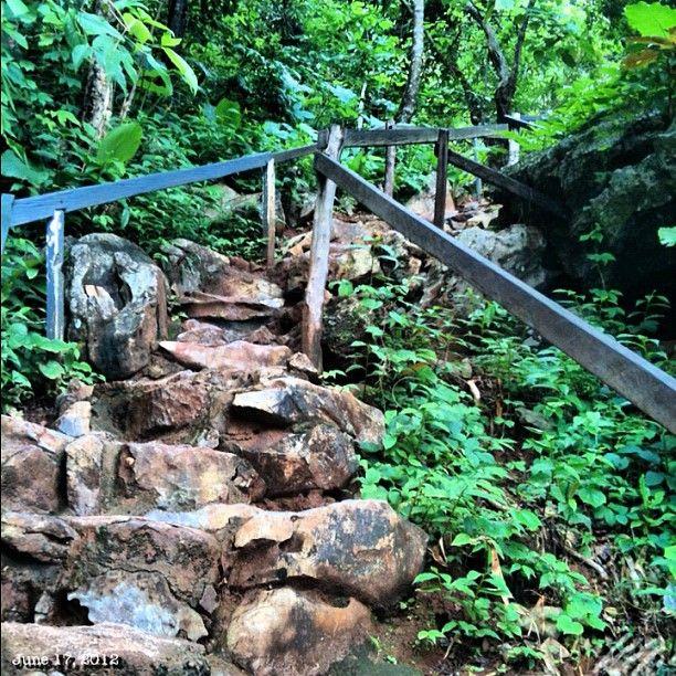 5つ目は山を登る #coron 5th #island #stairs #islandhopping #sea #beach #coral #mountain #philippines #フィリピン #スノーケリング #ビーチ #島