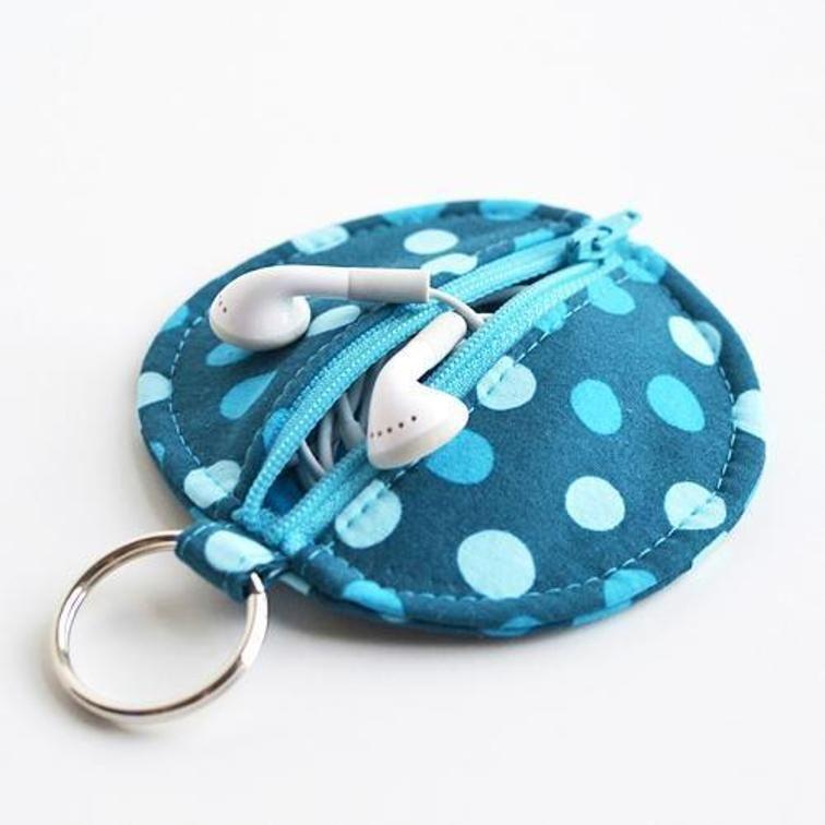 Circle Zip Earbud Pouch   Bluprint