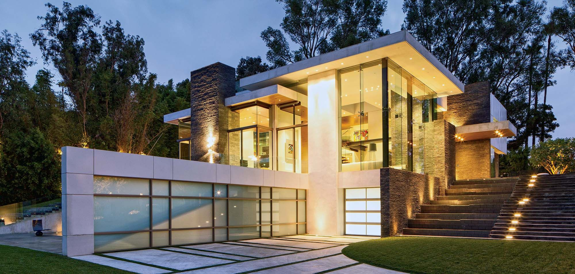 Modern Home With Flat Roof And Stucco Summit Homes Beverly Hills Houses Modern Flat