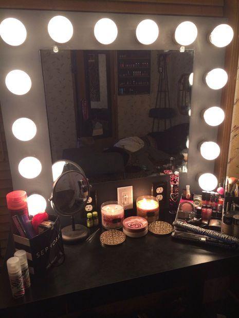 vanity mirror with lights vanities and lights. Black Bedroom Furniture Sets. Home Design Ideas
