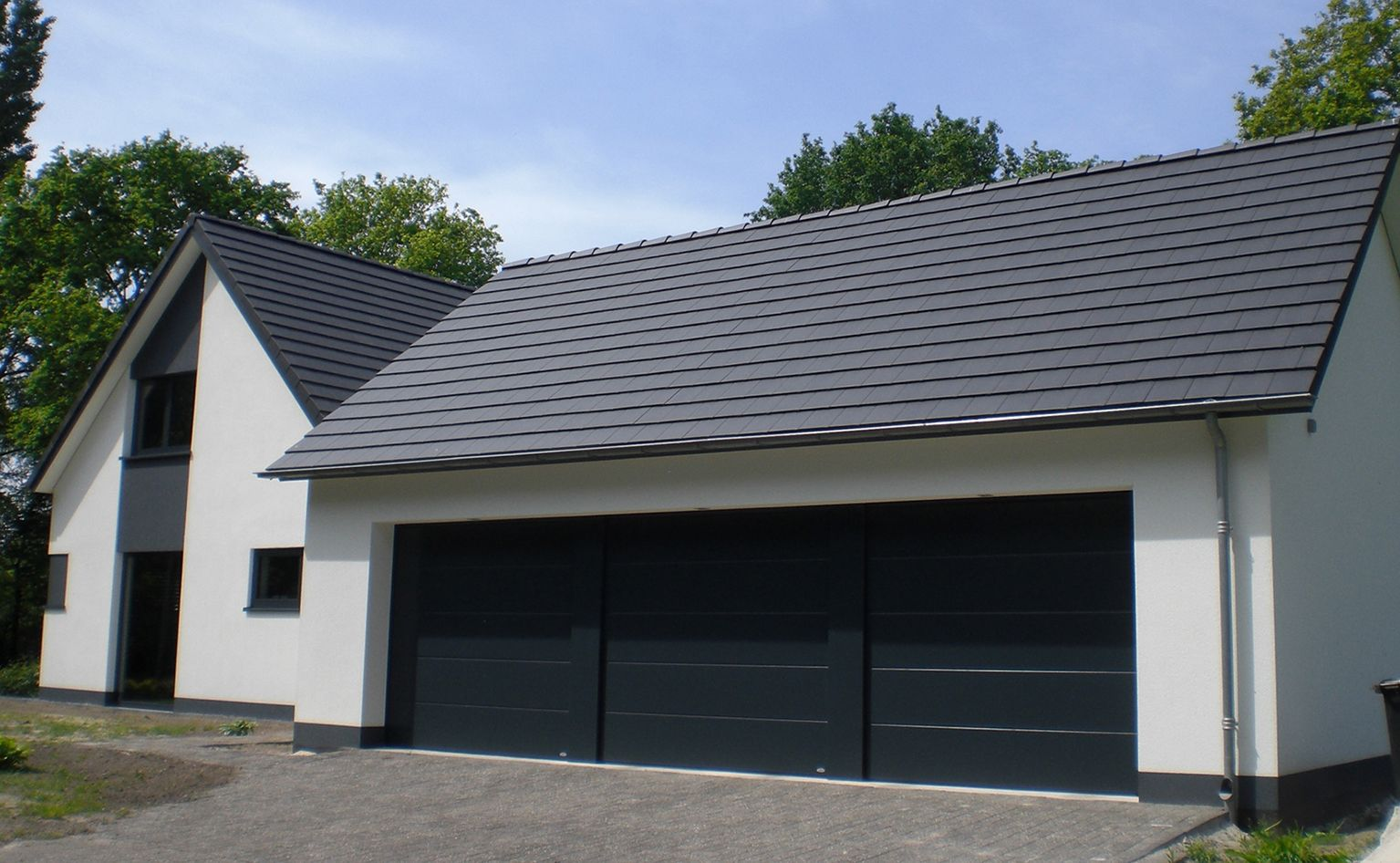 Best Planum Roof In Anthracite Grey Concrete Roof Tiles 400 x 300