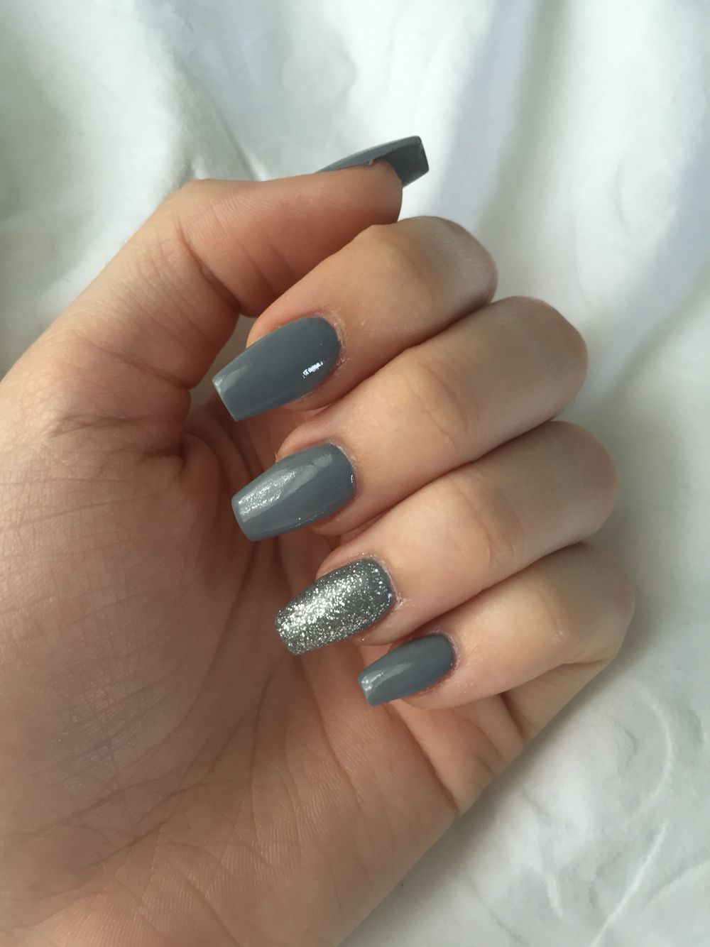 Gray Coffin Shaped Acrylic Nails With Silver Glitter Acrylic Nails Coffin Grey Grey Acrylic Nails Silver Glitter Nails