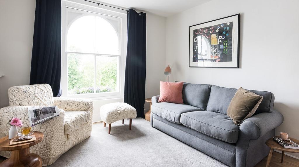 Helles, Modernes Wohnzimmer. #Wohnzimmer #Wohnung #Einrichtung  #Einrichtungsidee #Sofa #