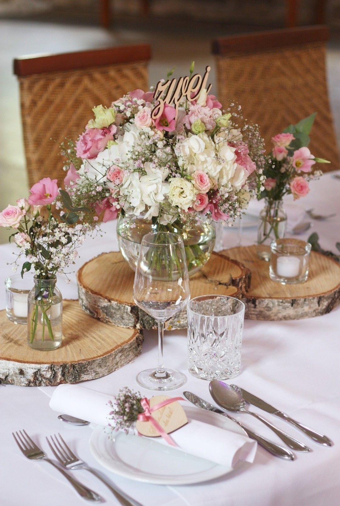 Tischdeko Holz Vintage In 2020 Hochzeitsdekoration Hochzeit Tischlaufer Hochzeitstisch