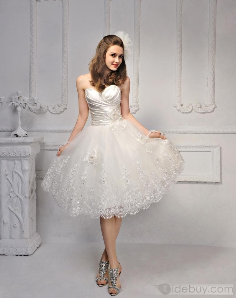 Beautiful strapless flower laceup sleeveless wedding dress