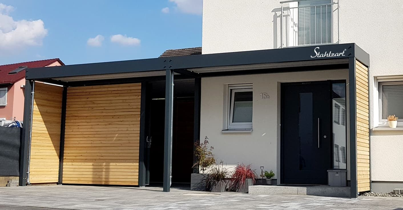 Modernes Vordach anthrazit von Stahlzart. Haustür
