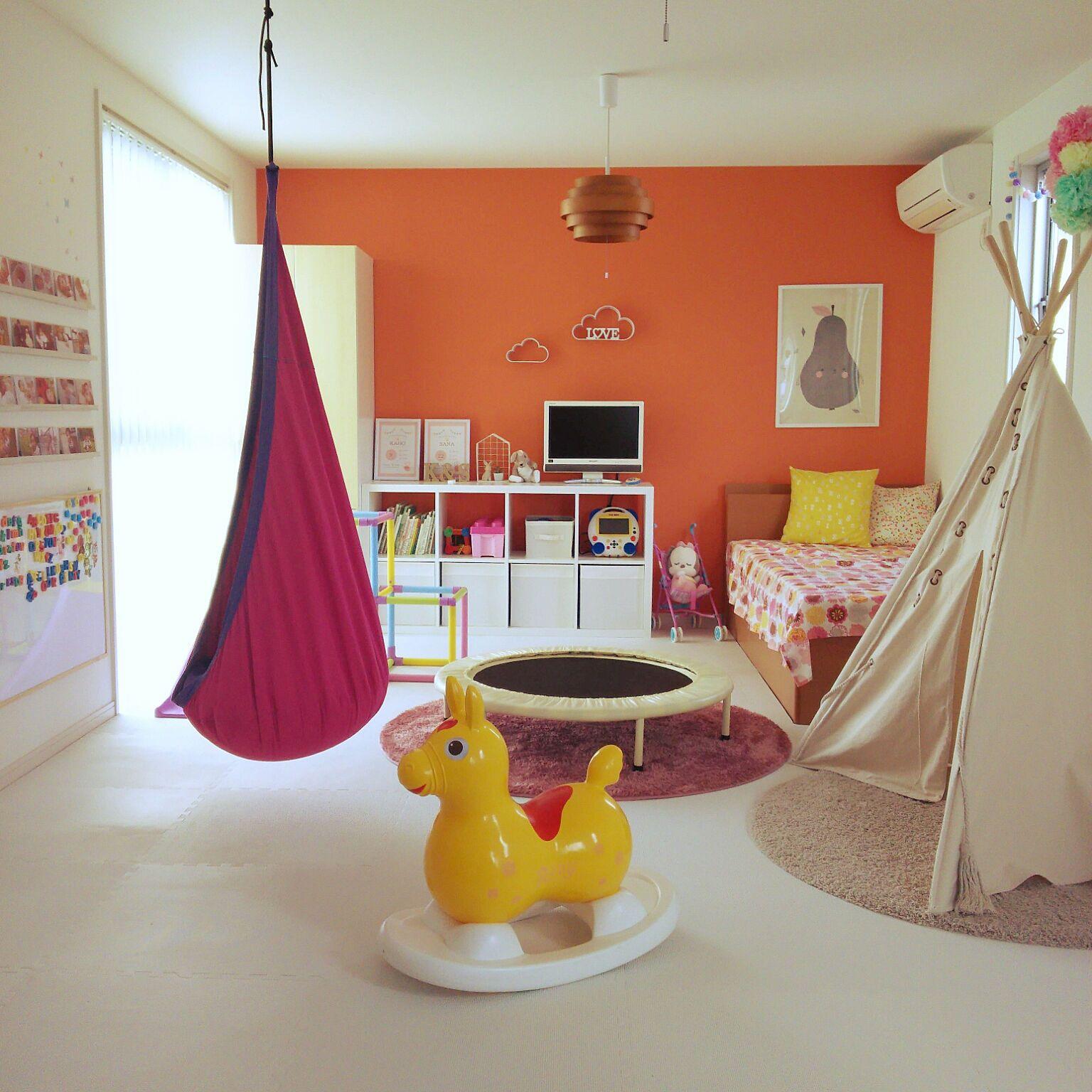 オレンジ 子供部屋女の子 ハンギングチェア カラフルな部屋