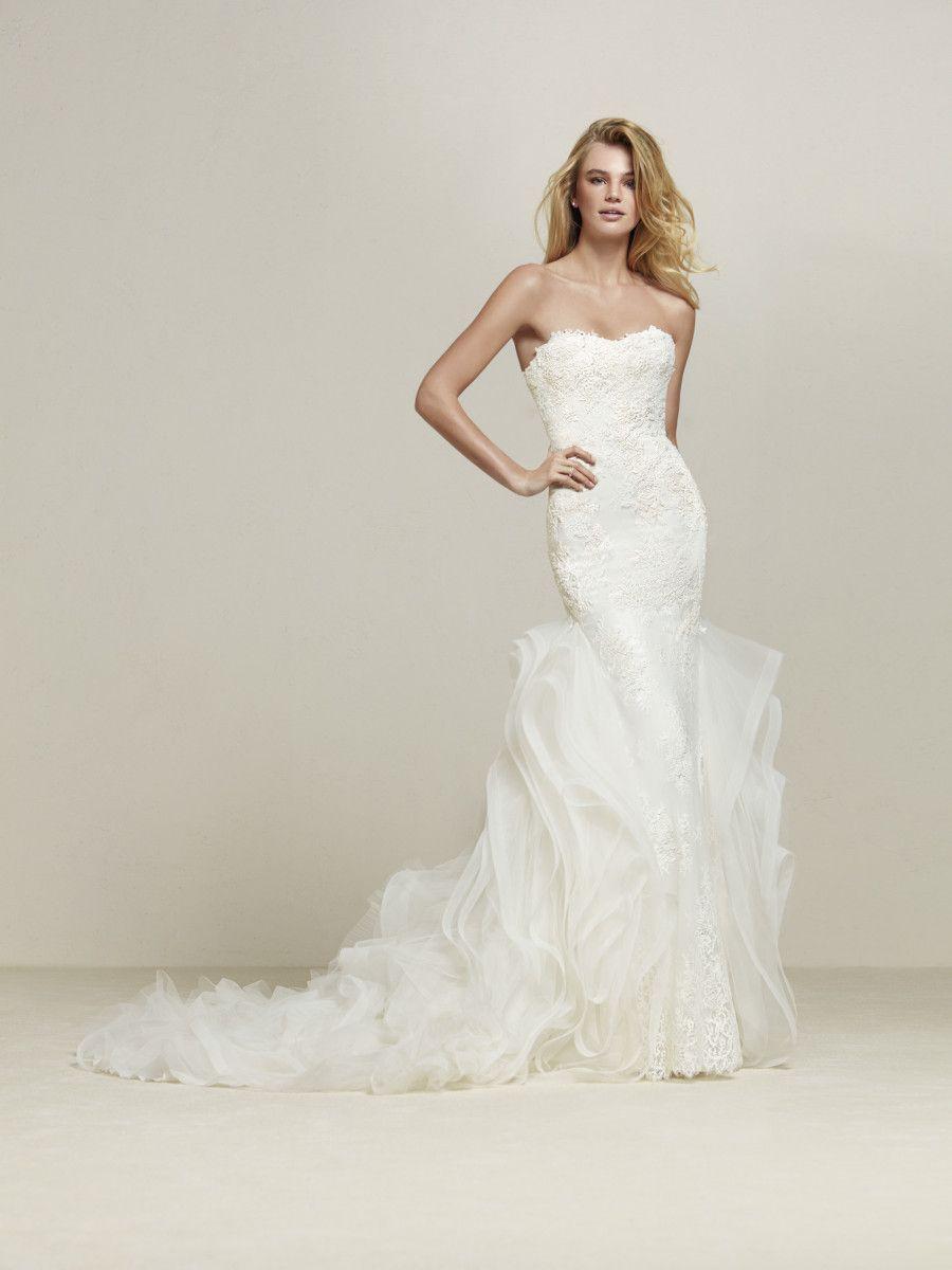 Wedding Dress Lace Frills Drimila Pronovias 2018