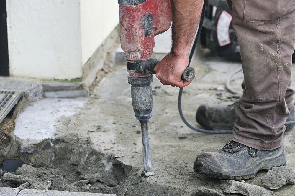 Casser, couper une dalle de béton     wwwtravauxbricolagefr - Dalle De Beton Exterieur