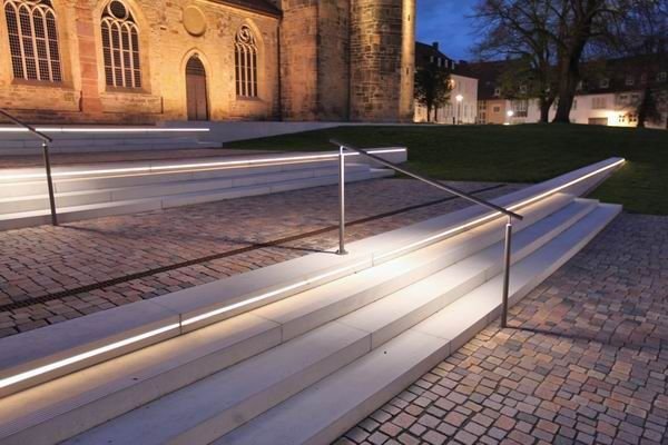 Ideal Beleuchtete Treppenstufen der Michaeliskirche RailingsLed