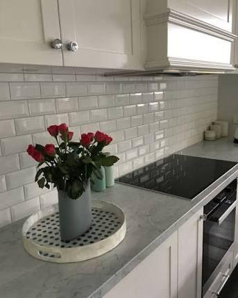 image result for hamptons style kitchen backsplash counter tops rh pinterest com