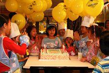 california pizza kitchen kids birthday parties age 4 10 birthdays rh pinterest com