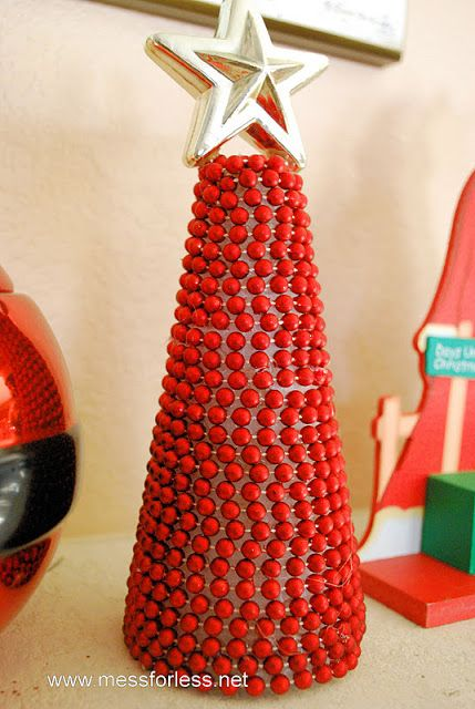 Mess For Less: Craft for Moms: Beaded Garland Christmas Tree