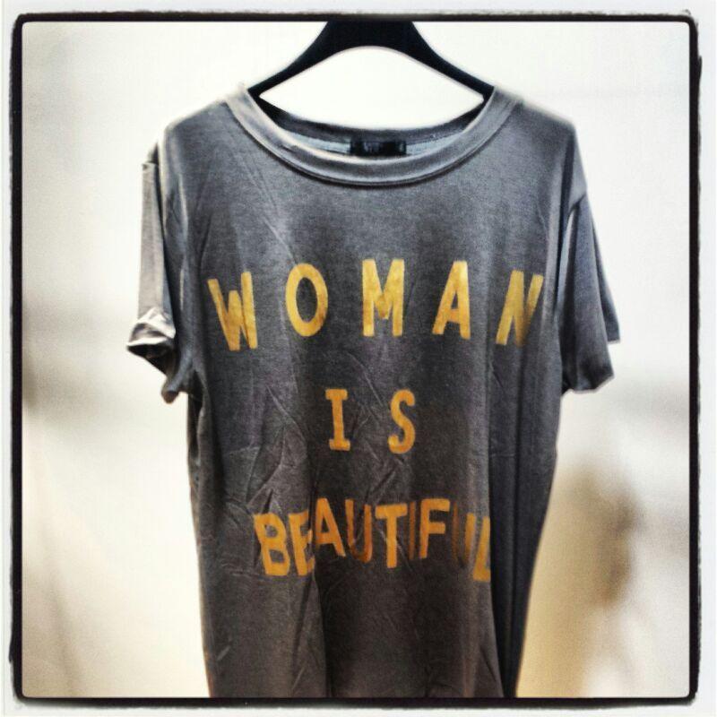Woman Is Beautiful Top. Colores Varios.