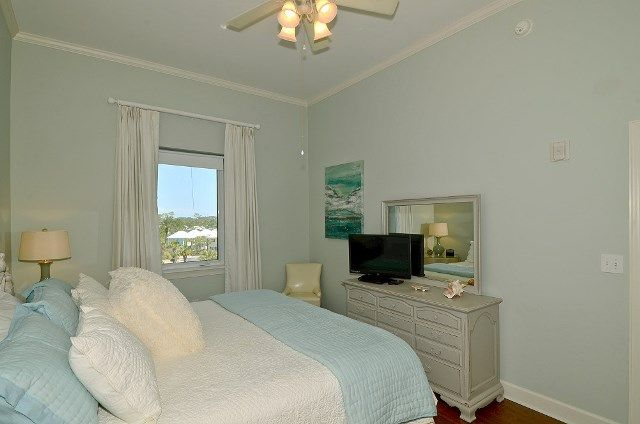 Seagrove Highlands 2407 - 3BR 2BA - Sleeps 6 | 1-800-553-0188 http://www.myvacationhaven.com/destin-vacation-rental-seagrove-highlands-2407 #30A! #emeraldcoast #vacation #rental #myvacationhaven