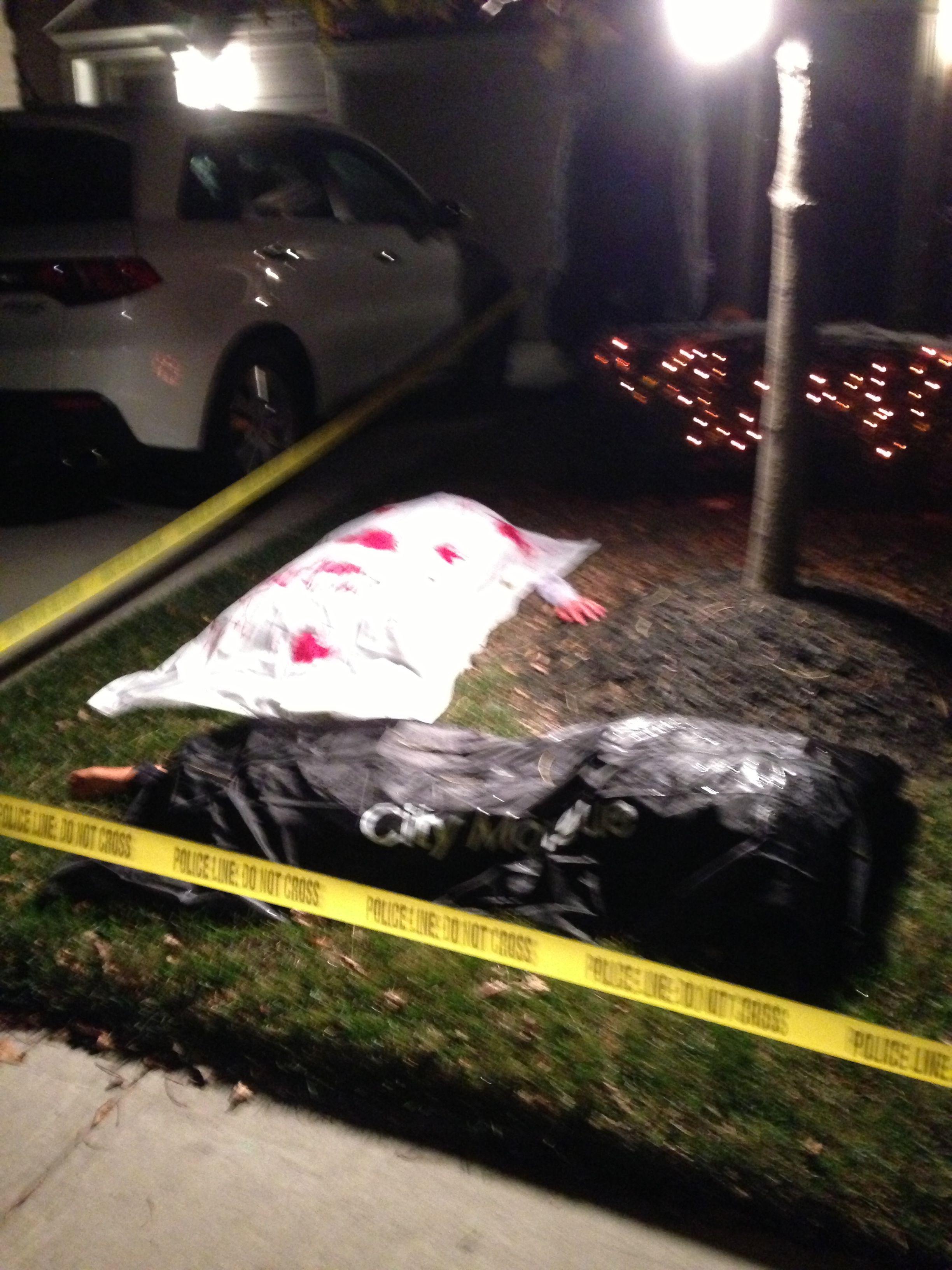 nighttime front yard halloween crime scene my halloween party