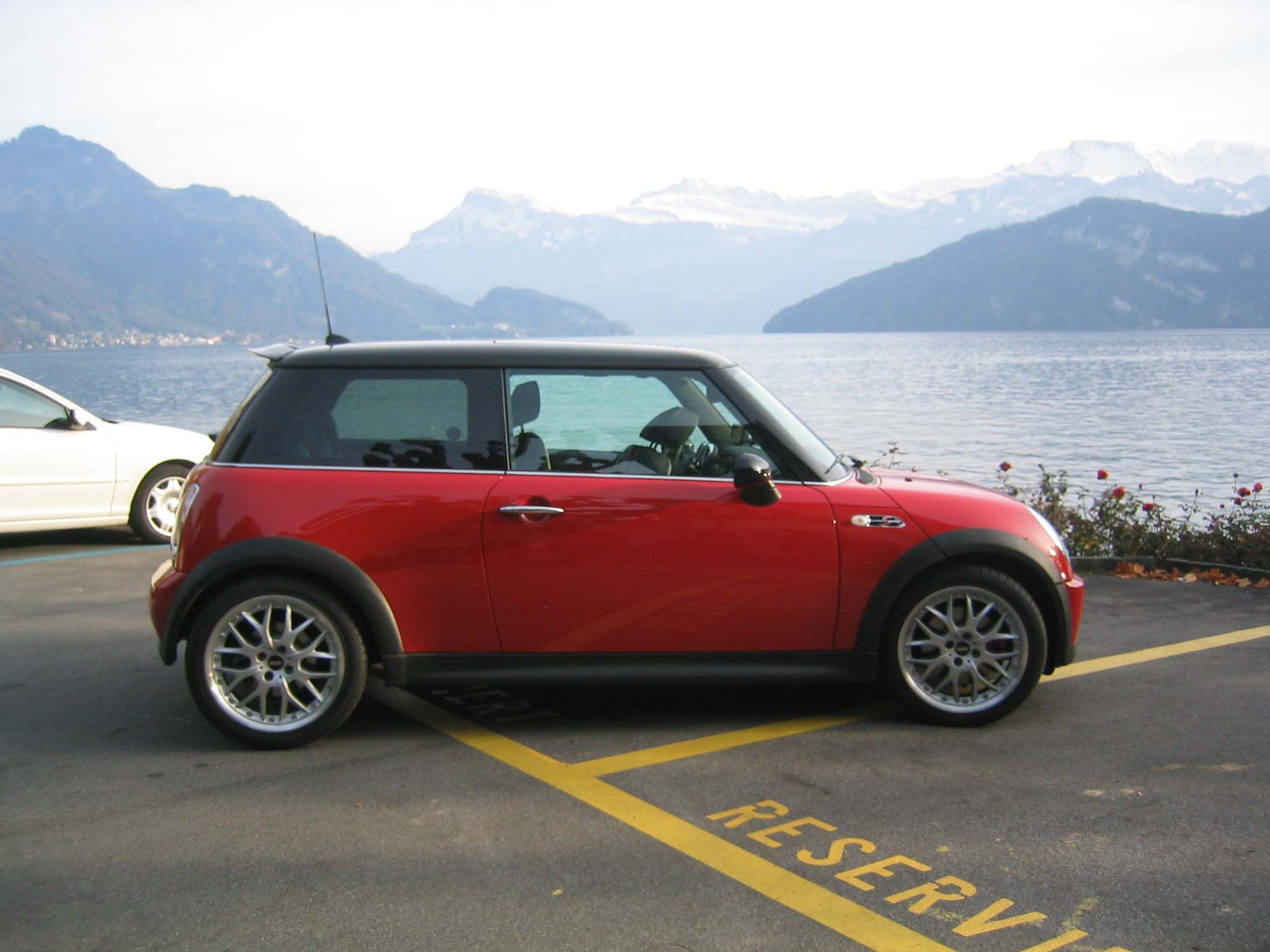 Mini cooper s chili with factory jcw model at 210 hp december 2005 model very reluctant sale change of plans so we are leaving switzerland