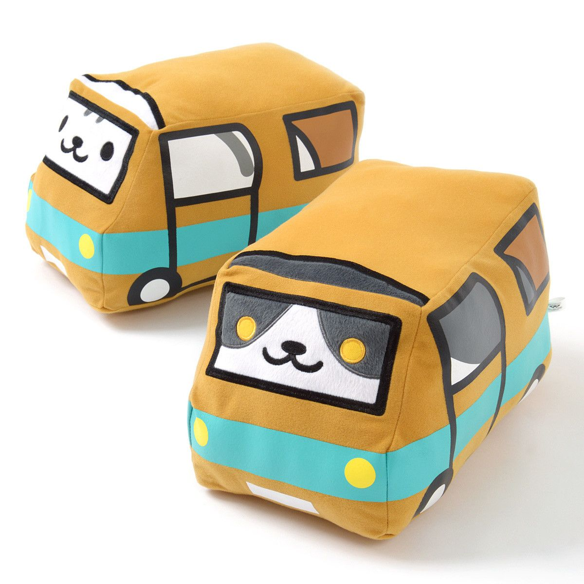 The kitties of Neko Atsume are ready to take a fun trip for this plush collection, and in classic kitty fashion, they've found their way into cardboard boxes taking the appearance of buses! This big plush set includes Gabriel andMack, and you can also complete your collection with the set of both!  #plushie
