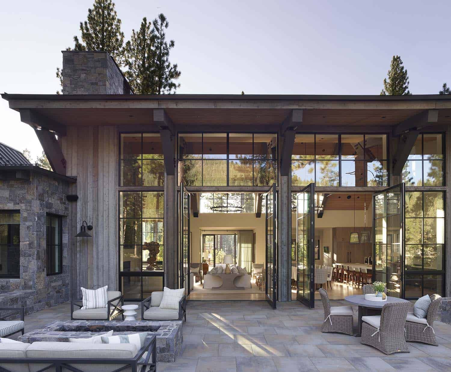 Insanely beautiful mountain modern home in the Sierra Mountains