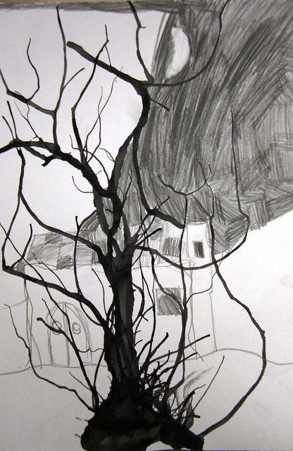 spooky halloween tree by maureencrosbie via flickr