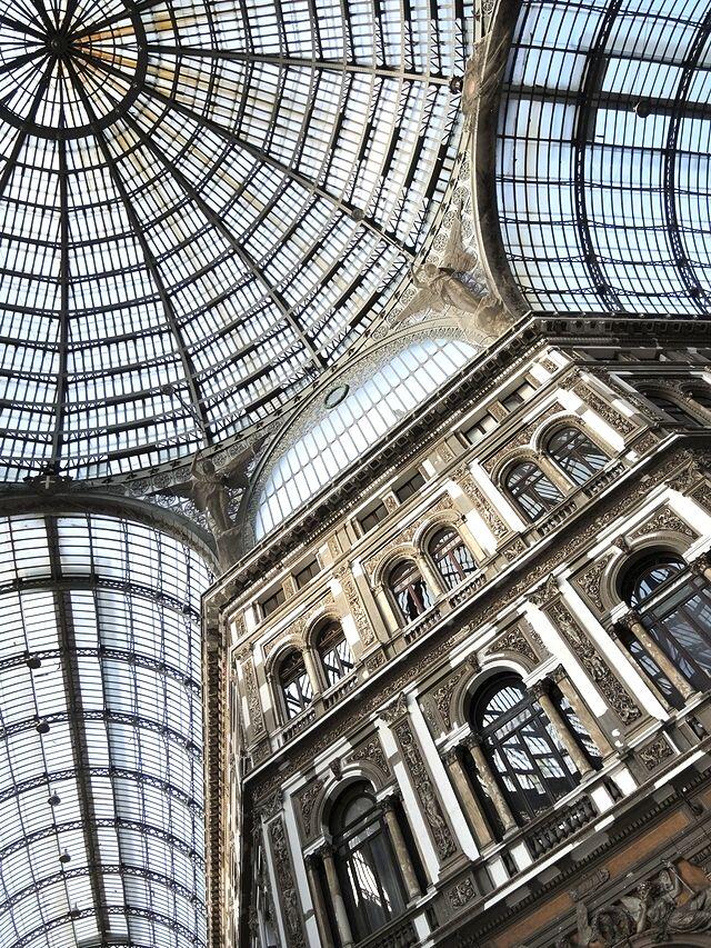 Napels: Galleria Umberto I en Piazza del Plebiscito