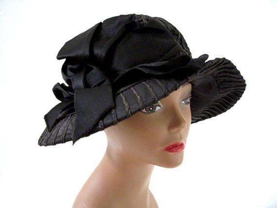 bda294ab77fcb8 Vintage 1920s Black Cloche Hat Roaring 20s Black Hat with | Vintage ...